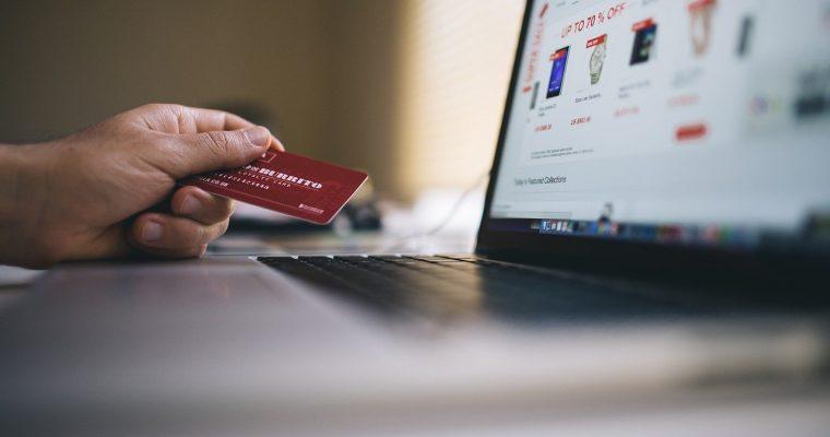 Yhä useammat verkossa toimivat palvelut hyväksyvät kryptovaluutat maksutapana